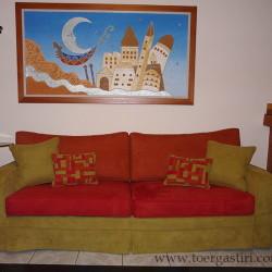 Κάλυμμα καναπέ σε 3 χρώματα με patchwork μαξιλαράκια.