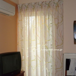 Κουρτίνα πολύχρωμα κοράλια για χαρούμενη κρεβατοκάμαρα.
