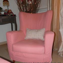 Ροζ κάλυμμα πολυθρόνας.